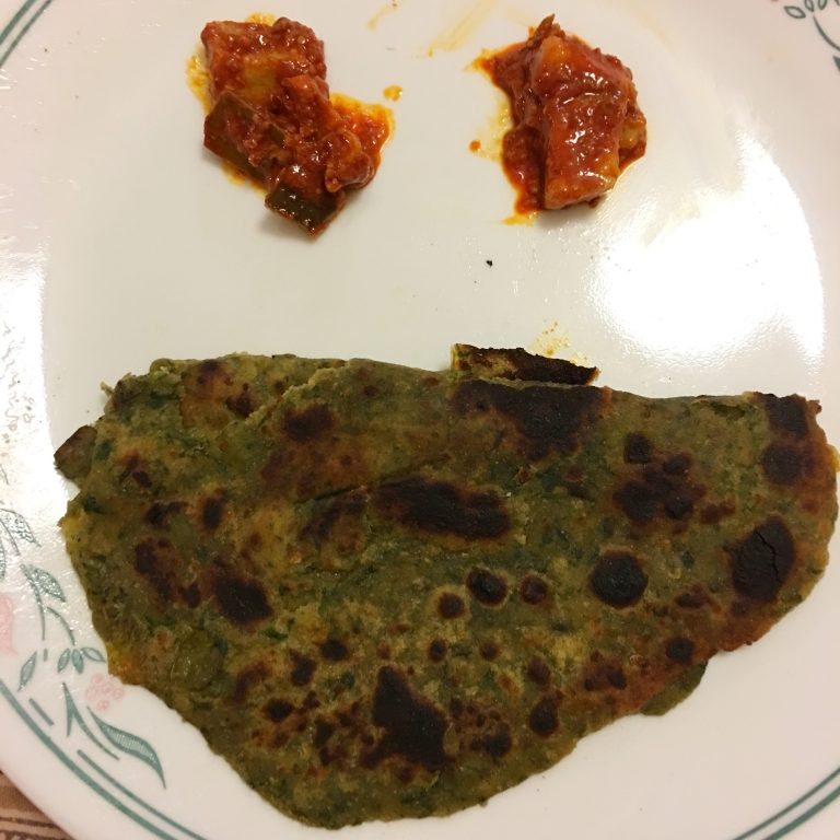 http://Vegetable%20roti%20with%20pickle%20face